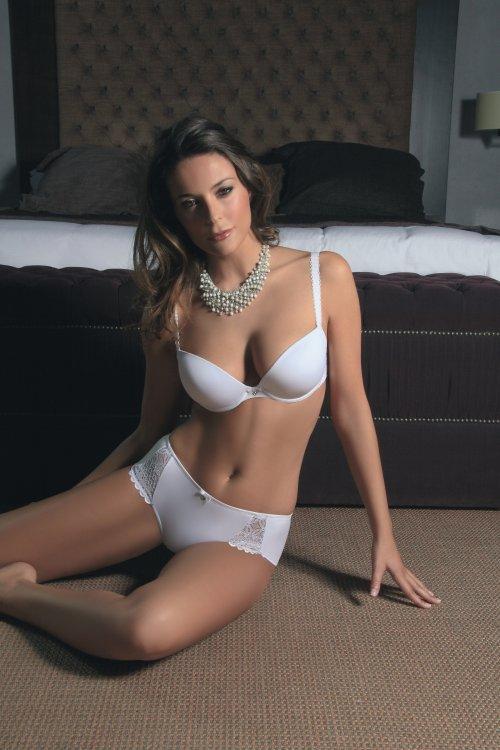 Vyztužená podprsenka 24789 barva bílá | NEHTOVÁ MODELÁŽ - Spodní prádlo Sassa