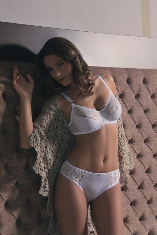 Podprsenka s kosticemi 24852 barva bílá | NEHTOVÁ MODELÁŽ - Spodní prádlo Sassa
