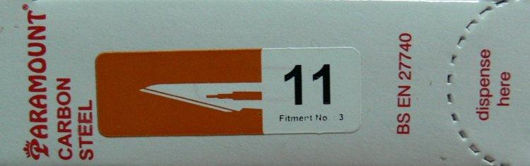 PARAMOUNT Čepelka skalpelová sterilní karbonová tvar 11 | Kleště a nůžky na nehty a kůži pro manikúru a pedikúru, pinzety, pilníky, atd. - Skalpelové čepelky karbonové, držátka čepelek