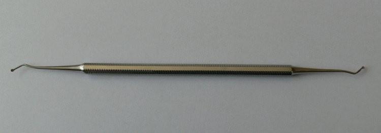 Exkavátor oboustranný s lžičkou | NEHTOVÁ MODELÁŽ - Kleště a nůžky na nehty a kůži pro manikúru a pedikúru, pinzety, pilníky, atd. - Ostatní nástroje a příslušenství pro pedikúru