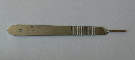 Držátko čepelky číslo 3 | Kleště a nůžky na nehty a kůži pro manikúru a pedikúru, pinzety, pilníky, atd. - Skalpelové čepelky nerezové, držátka čepelek