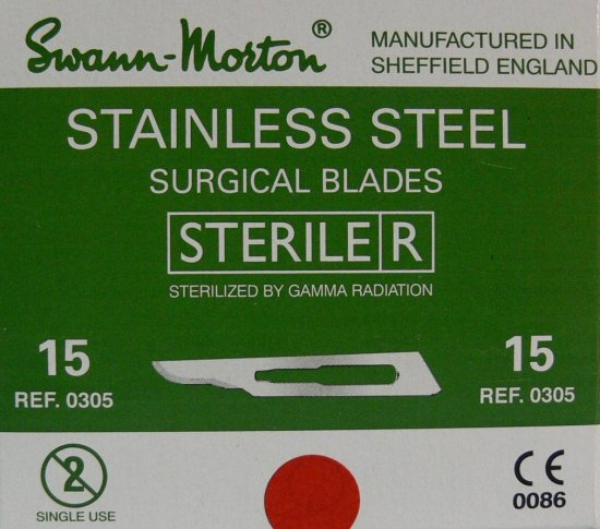 SWANN MORTON Čepelka skalpelová sterilní nerezová tvar 15 | Kleště a nůžky na nehty a kůži pro manikúru a pedikúru, pinzety, pilníky, atd. - Skalpelové čepelky nerezové, držátka čepelek