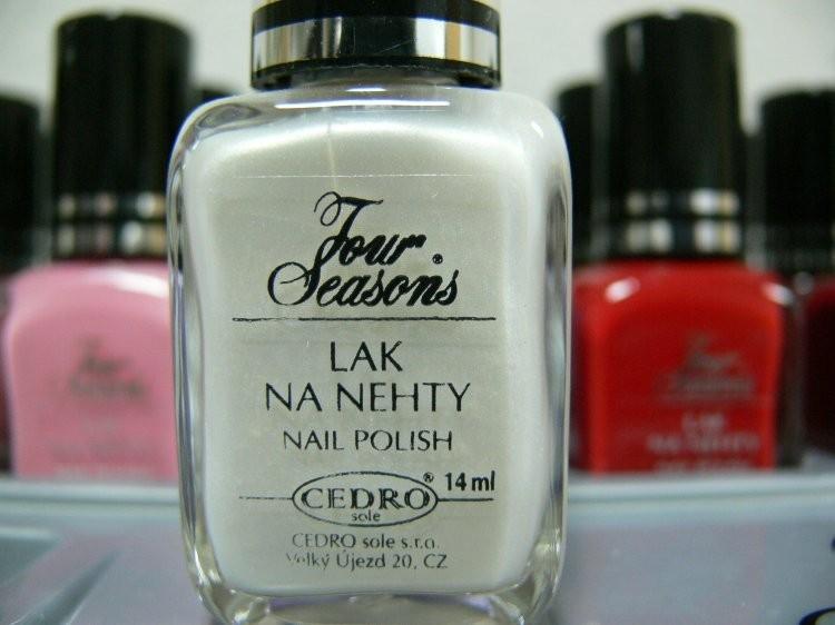 Four Seasons Lak na nehty FS odstín 01 perleťový lak 14 ml | Laky na nehty - Laky na nehty Cedro - Four Seasons